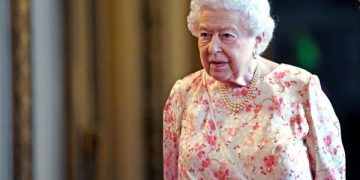 LONDON, ENGLAND - JULY 17: Queen Elizabeth II as she views the exhibition to mark the 200th anniversary of the birth of Queen Victoria for the Summer Opening of Buckingham Palace on July 17, 2019 in London, England. (Photo by Victoria Jones - WPA Pool/Getty Images)