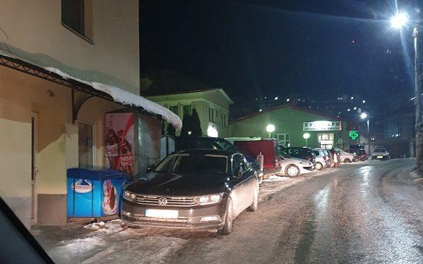 Службеното возило на техничката министерка Мизрахи, снимено во Крушево, во вечерните часови, 9 февруари 2020 година.