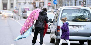 Zagreb, 220320. Posljedice potresa koji je u ranim jutarnjim satima pogodio grad Zagreb. Na fotografiji: Trg Petra Svacica. Foto: Boris Kovacev / CROPIX