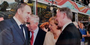 Бучковски - Меркел - Вајгел