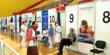 """Пункт за вакцинација сала """"Борис Трајковски"""" Скопје. Фото: Ј. Ѓорѓиоски/Фронтлајн"""