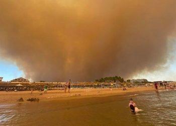 Пожар во Анталија, Турција. Сиде. (Фото/Фронтлајн)