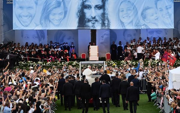 epa09468015 Pope Francis attends a meeting with young people, at Lokomotiva stadium in Kosice, Slovakia, 14 September 2021. Pope Francis is on visit to Slovakia from 12 to 15 September under the official motto: 'With Mary and Joseph on the way to Jesus'.  EPA-EFE/LUCA ZENNARO